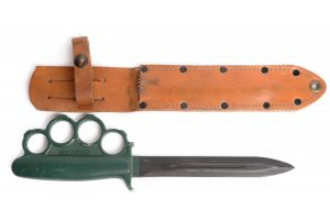 Knuckle knife leather scabbard WW 2 fighting staples cast aluminum alloy rare