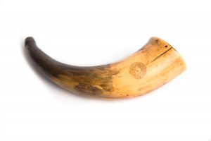 powder horn age patina wooden end plug cow horn carved unusual coiled snake